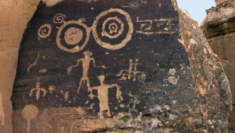4 Petroglyph1 UFO